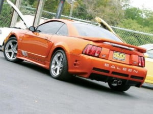 2002_ford_mustang_saleenleft_rear_view_miniatura
