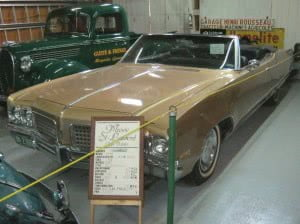 Oldsmobile Ninety-Eight 98 70 3 bb
