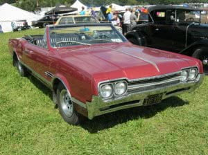 Oldsmobile Cutlass 66 3 bb