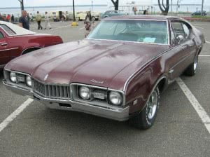 Oldsmobile Cutlass 68 2 bb