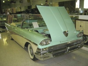 209 Ford Sunliner 58 2 bb