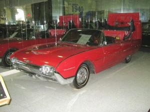 209 Ford Thunderbird 62 4 bb